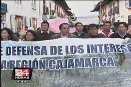Santos encabeza marcha contra peritaje sobre Conga sin conocer resultados