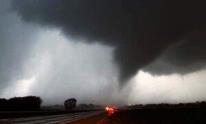 Tornados desatan muerte y destrucción en Estados Unidos