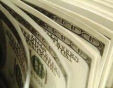 Nada detiene la caída del dólar