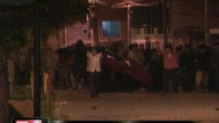Cajamarca: patrullero arrolla a mujer y es atacado por enardecida turba