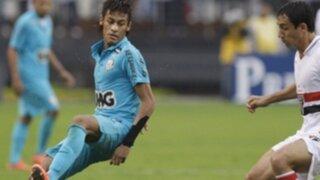 Neymar recibe una terrible agresión durante partido contra Sao Paulo