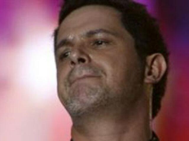 Alejandro Sanz llora muerte de su madre: La vida sigue, pero mal