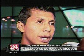Rinaldo Cruzado llegó a Lima y pese a lesión confía jugar ante Colombia