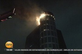 Bomberos controlan incendio en la Torre Wiese