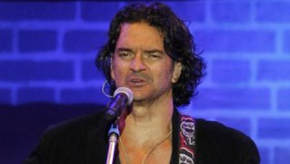 Ricardo Arjona llega hoy a Lima y lanza tercer sencillo 'Te quiero'