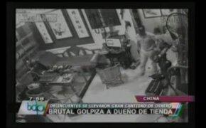 VIDEO: Ladrones propinan brutal golpiza a dueño de una tienda