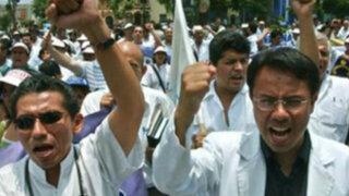Ministro José Villena afirma que paro de Essalud es ilegal