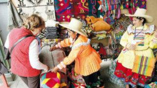 Ádex realiza segundo día de Feria de Emprendedores en Plaza San Miguel