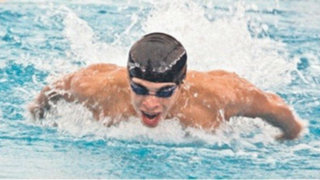 Nadador peruano supera récord nacional, pero es eliminado de los JJOO