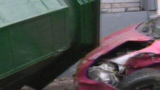 Lloviznas en Lima provocaron peligrosos accidentes de tránsito