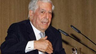 Mario Vargas Llosa tuvo emotivo encuentro con escolares en San Borja