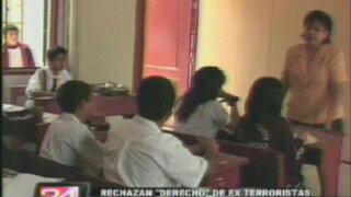 Posibilidad de que exterroristas enseñen en colegios desata polémica