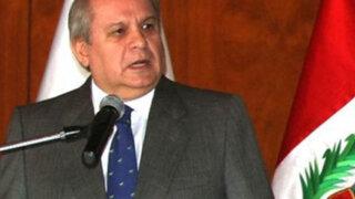Gobierno no modificará ley de ascensos con delegación de facultades