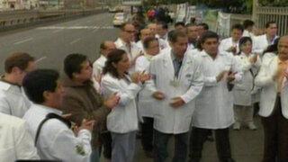 Ministro Villena: Médicos de Essalud que no trabajen serán despedidos