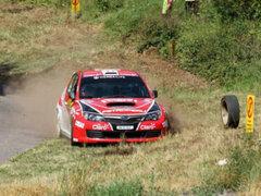 Nicolás Fuchs sufre accidente técnico y deja cuatro heridos en  rally Alemán