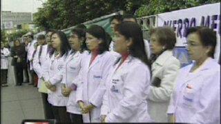 "Médicos en huelga serán denunciados ""por exponer a pacientes al peligro"""