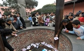 Cientos de peruanos utilizaron buzón virtual para enviar pedidos a Santa Rosa