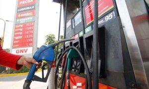 Petroperú  y Repsol bajaron precios de gasolinas