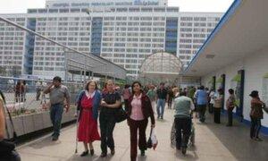 Pacientes denuncian pésima atención en Essalud y hospitales