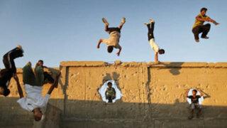"""Jóvenes palestinos desafían las leyes de la  gravedad con el """"parkour"""""""