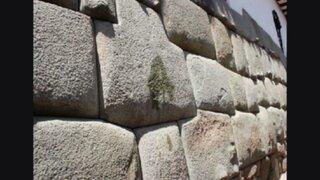 Pintan pared de piedra incaica en centro histórico del Cusco
