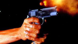 Impactantes imágenes: sujeto dispara a empleado y luego intenta suicidarse