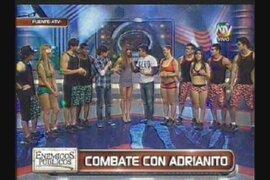 Los muchachos de Combate apoyan a Adrianito