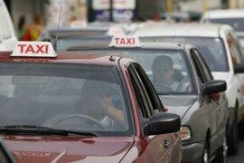 Nueva alza de combustibles afecta a conductores peruanos