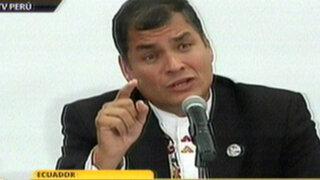 """Correa dice que en Europa no permitirían escribir """"cochinadas"""" en la prensa"""