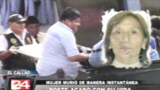 Poste de luz cae sobre mujer que caminaba en el distrito del Callao