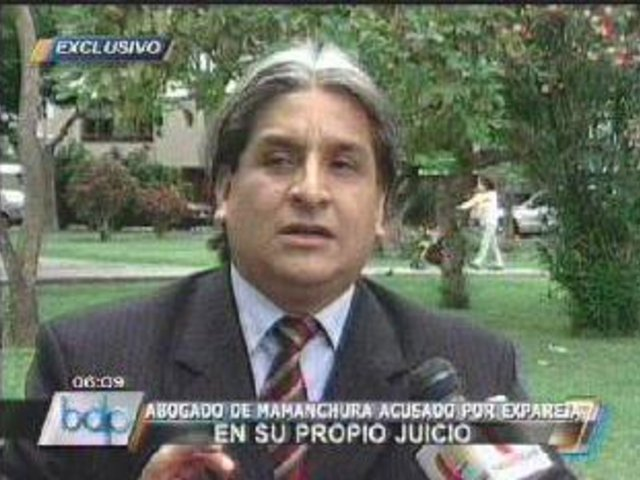 Carlos Rojas dona sueldo a perros en vez de pasarle pensión a su hijo