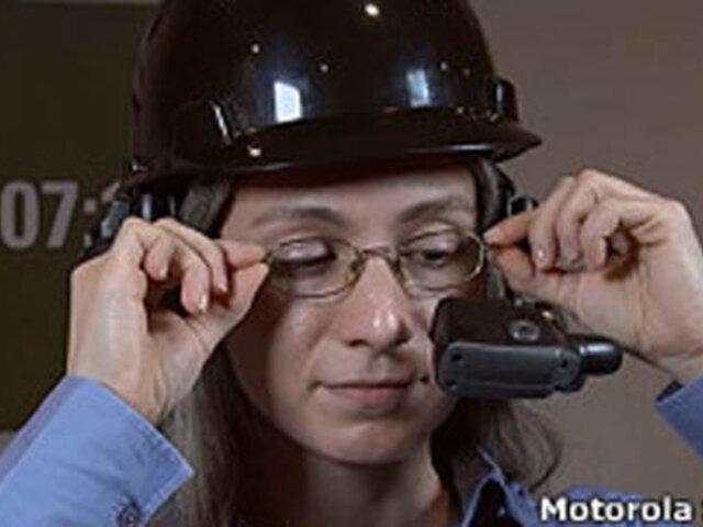 Fabrican computadora que se lleva en la cabeza y maneja con la voz