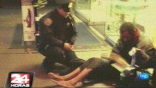 EEUU: video de policía que regaló unas botas a mendigo causa furor en Internet