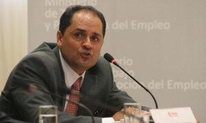 Villena sigue en su cargo y niega agresión física a trabajadores de Lan Perú