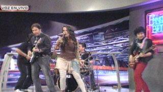 Erika Villalobos canta en vivo en el set de Enemigos Públicos