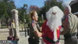 Estados Unidos: Papá Noel es arrestado por disturbios en la calle
