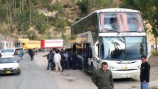 Asaltan a 46 pasajeros de ómnibus en Cusco