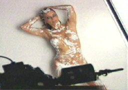 ¡VIDEO! Olenka Zimmerman presenta calendario sexy