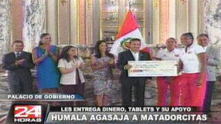 Matadorcitas recibieron homenaje y regalos por parte del presidente Ollanta