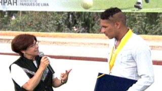 Alcaldesa Villarán condecoró a Paolo Guerrero en San Juan de Miraflores