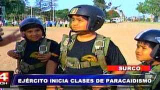 Surco: inician talleres de verano en paracaidismo para niños y jóvenes