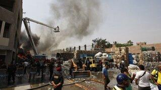 Noticias de las 6: gigantesco incendio en SJL pudo causar tragedia mayor