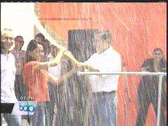 Presidente Humala jugó carnavales con su esposa durante inauguración de obras