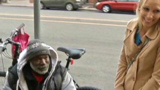 EEUU: mendigo fue premiado con 150,000 dólares por su honestidad