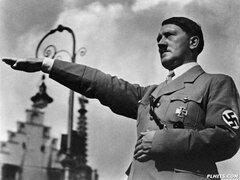 Hitler escapó a Sudamérica y usó el apellido Kirchner, sostienen