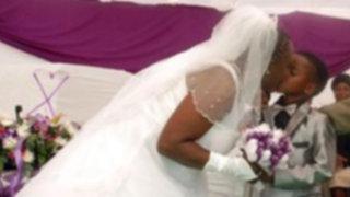 Sudáfrica: niño de 8 años y mujer de 61 se besan en polémico matrimonio