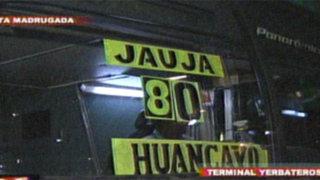 Terminal de Yerbateros: Alza de pasajes impiden viajar a decenas de personas