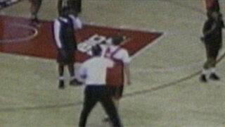 EEUU: Despiden a entrenador de baloncesto por golpear a sus dirigidos
