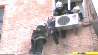 Noticias de las 7: abuela salva de muerte segura en Ucrania