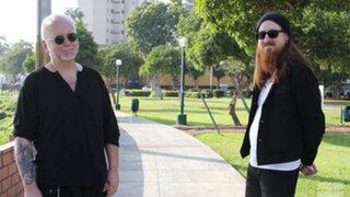 Integrantes de The Cure pasean tranquilamente por parques miraflorinos